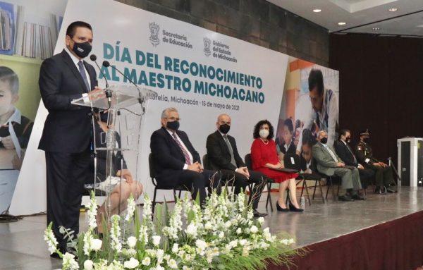 Maestras y maestros, pilares humanos más valiosos de Michoacán: Gobernador