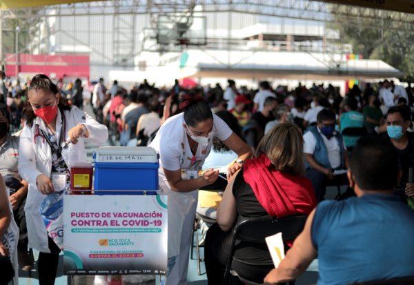 Suspendida, vacunación hasta después de las elecciones en Michoacán
