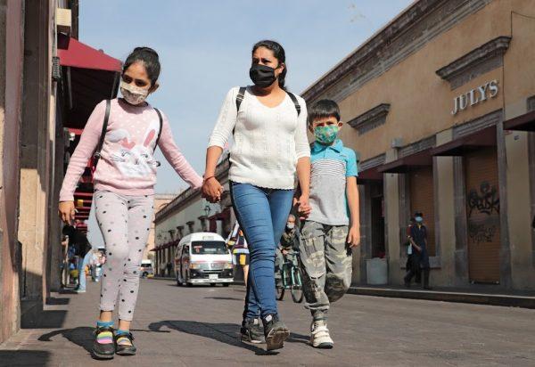 Mínima incidencia de casos confirmados de COVID-19 en niñas, niños y jóvenes