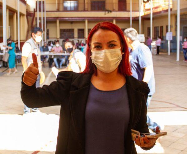 En Jacona Raque Vargas, candidata, emitió su voto ciudadano