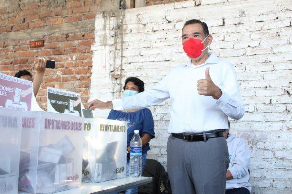 Rubén Nuño acude a votar