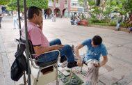 Sigue escasa la clientela para aseadores de calzado, aún con apertura de plazas
