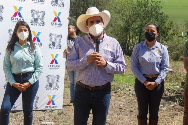 Inician rehabilitación de calle Corregidora en El Limón