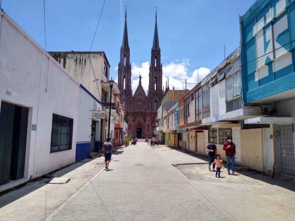Obra inconclusa de calle Cazares inconforma a prestadores de servicios turísticos