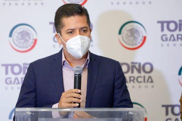Toño García se reincorpora a los trabajos en el Senado de la República