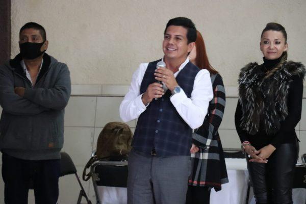 Celebra Oscar Escobar triunfo en diputación