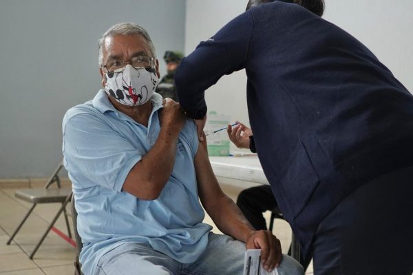 Concluyó aplicación de segunda dosis a jaconenses de 50 a 59 años