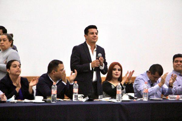 Morena pretende imponer su agenda silenciando a otros partidos en el Congreso