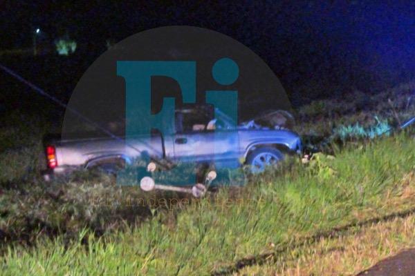 Dos jóvenes mueren al chocar su camioneta en la carretera Santiaguillo-Atacheo