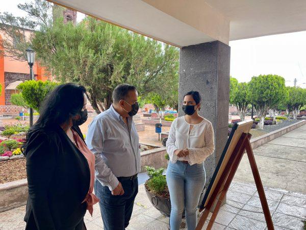 En Ecuandureo exponen pinturas al óleo