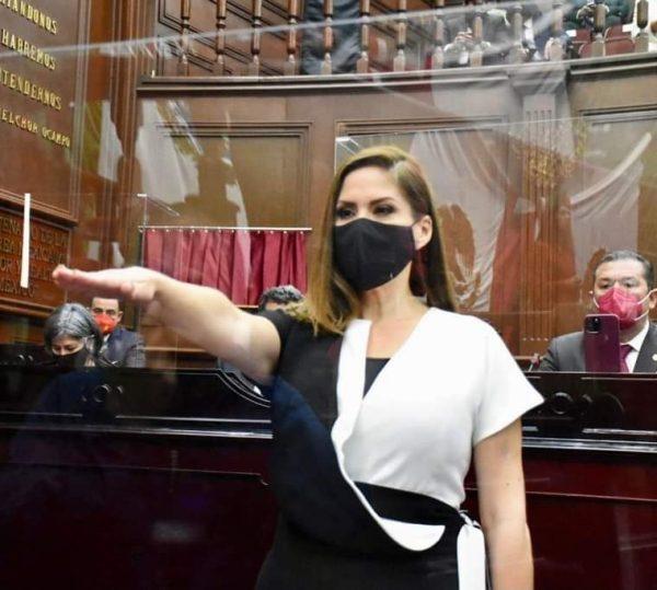 Ivonne Pantoja tomó protesta como diputada por Zamora