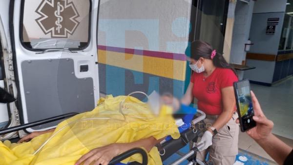 Con al menos 3 impactos de bala, mujer es lesionada en Jacona