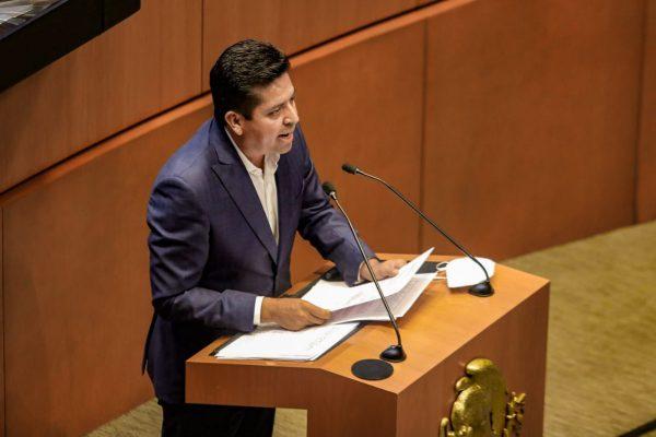 Antonio García exige mejor trato a mexicanos en el extranjero