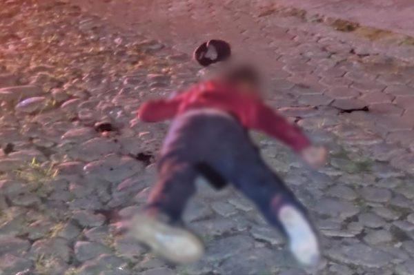 Desconocido es hallado muerto a tiros en Tangancícuaro