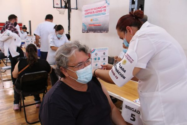 Listas 17 mil vacunas para segunda dosis de AstraZeneca a partir del 27 de septiembre