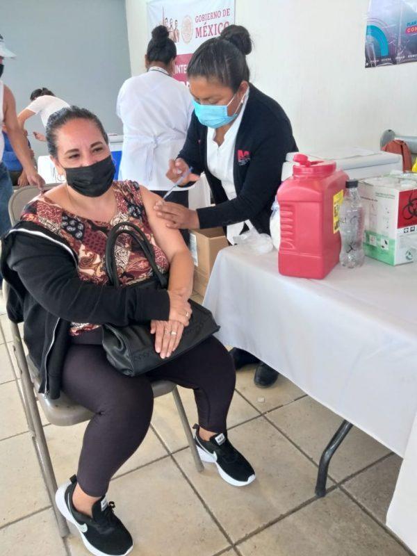 Se aplicó la segunda dosis de Astra Zeneca para adultos de 40 a 49 años en Jacona.