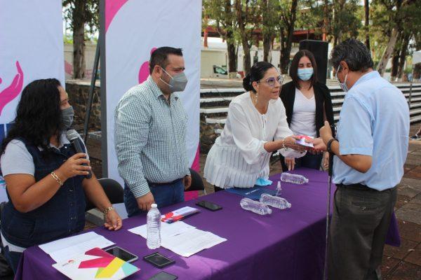 Entregó el sistema DIF Zamora becas a personas con discapacidad