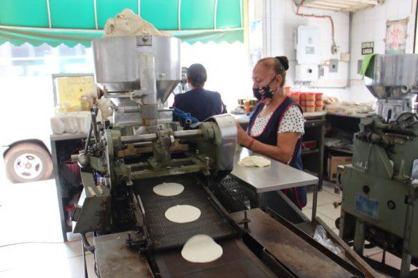 Alza de gas ocasiona reducción de salarios y despido de personal en tortillerías