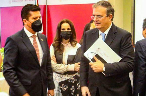 Antonio García plantea a Marcelo Ebrard fortalecer el turismo.