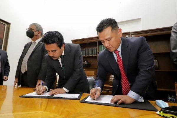 Asume Carlos Torres Piña la Secretaría de Gobierno de Michoacán
