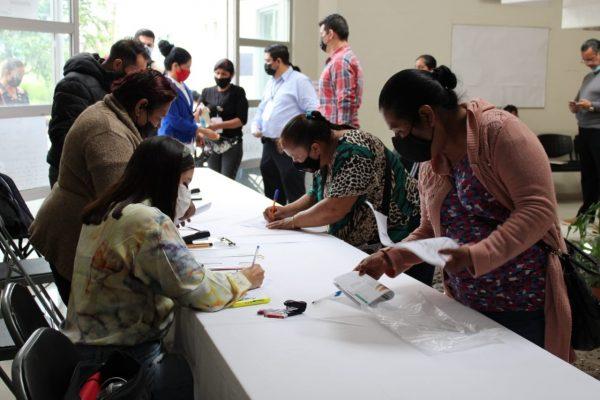 Presidencia Municipal de Jacona apoya en la entrega de becas Benito Juárez
