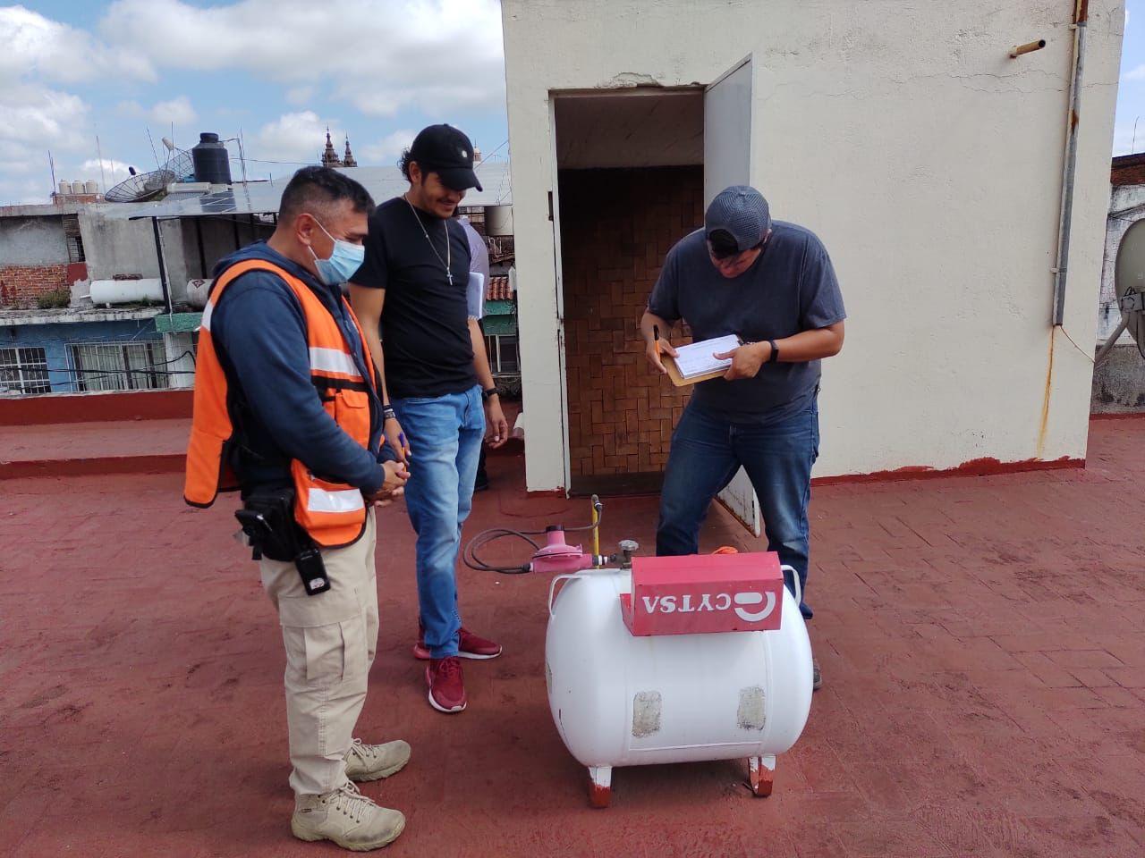 Revisó Protección Civil instalaciones de gas y luz en el Mercado Hidalgo