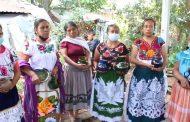 Santo Tomás presume mujeres de producción artesanal: son piezas únicas en Michoacán
