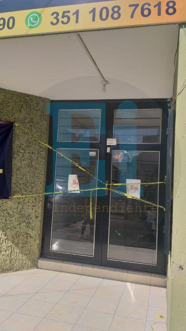 Localizan cadáver degollado y con narcomensaje en baño de Hotel Roma de Zamora