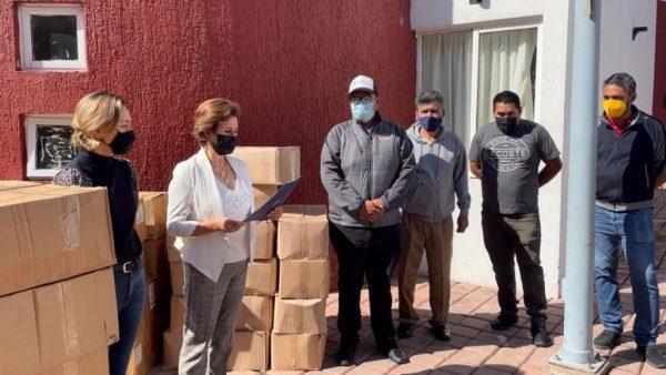 Gobierno municipal entregó insumos de sanidad a escuelas
