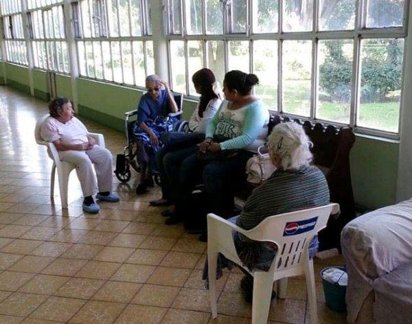 Ancianos viven olvidados por sus familias, los dejan a su suerte en asilo Pedro Rocha