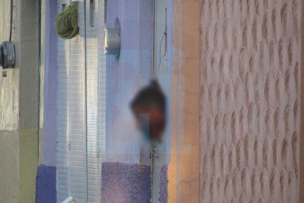 Delincuentes cuelgan cabeza humana en la puerta de una casa en Jacona