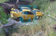 Mustang se accidenta y su conductor muere, en Jacona