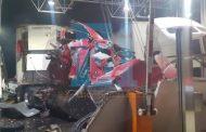 Tráiler embistió caseta de Ecuandureo; hay 4 lesionados